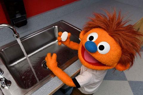 Hank-washing-hands