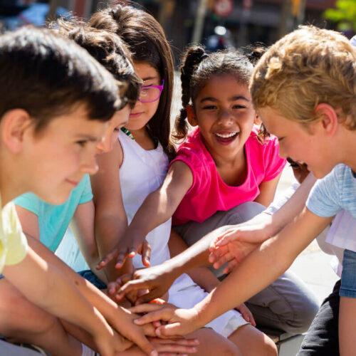 kids-high-five